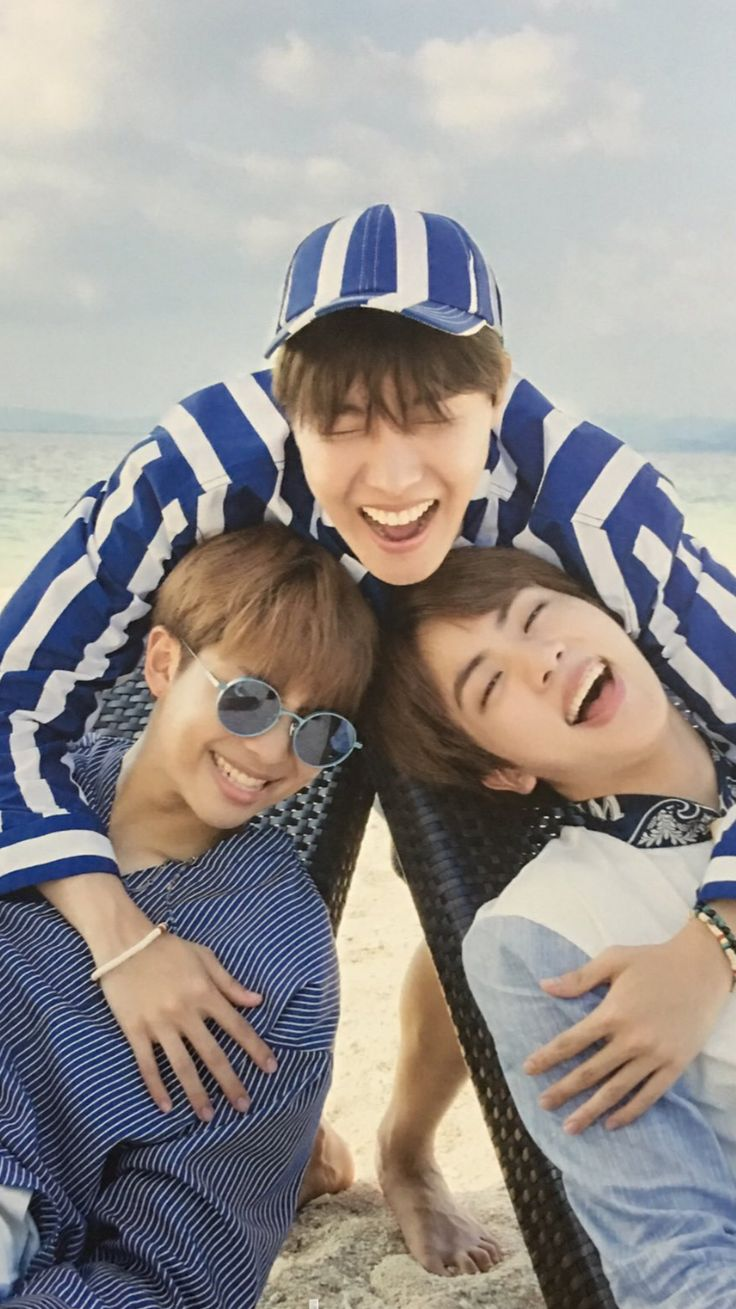 NAMJIN AND HOBI. I CANT JUST DIG MY GRAVE NOW.