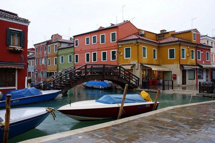 Burano island in Venetian lagoon #tourguide #tourguides #travel #tour #tourist #tourism #excursion #venice #burano #italy #lagoon