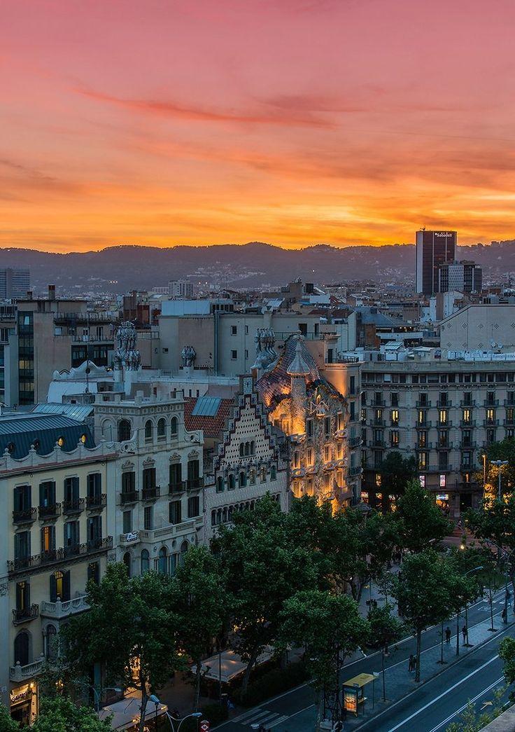 4 must-visit under-the-radar neighborhoods in Barcelona.
