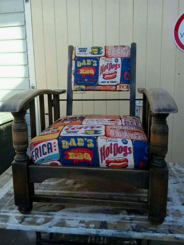Advert chair..