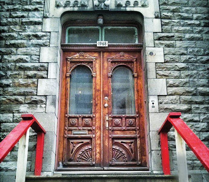 Montreal door (Boulevard de Maisonneuve Ouest) http://enroute.aircanada.com/en/articles/snapshot-front-doors-1