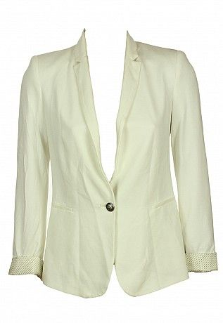 sacouri http://sacouri.fashion69.ro/sacou-zara-gatles-white/p99463