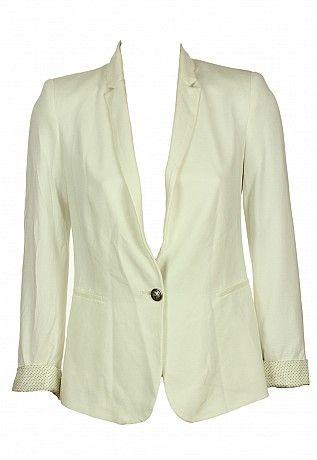 sacouri http://sacouri.fashion69.ro/sacou-zara-gatles-white/p99463