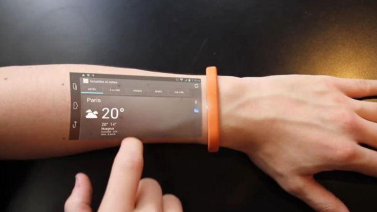 Het Franse bedrijf Cicret ontwikkelt een armband die het scherm van je gsm of tablet op je huid (of op eender welke andere plaats) kan projecteren. Dit gadget moet het mogelijk maken om bijvoorbeeld e-mails te sturen in bad, de weg te zoeken op je fiets of te bellen zonder je telefoon te moeten aanraken.