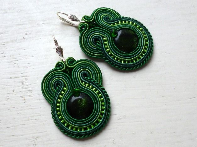 Stoffohrringe - Soutache Ohrringe Grün Smaragd Boho Glamour! - ein Designerstück von KC-Soutache bei DaWanda