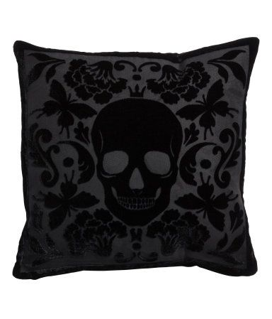 Skull Velvet Cushion Cover | H&M US $12.95 - this would go with more of an edge glam look