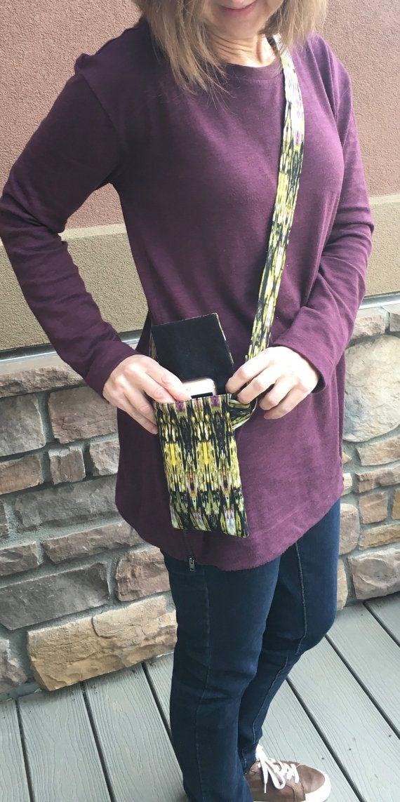 Cross Body Cell Phone Purse / Women's Fashion / by hatsbyanne1942