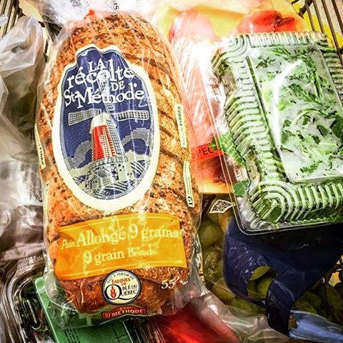 Qu'est ce qui se retrouve dans votre panier d'épicerie ? Merci aux gars de @livefivemtl qui ont choisi notre pain allongé 9 grains de la Recolte! Un choix santé & foodie! || What do you have in your grocery cart ? Thanks to the guys of @livefivemtl who chose our 9 grains bread of la Recolte ! A healthy & foodie choice  #StMethode #LaRecolte #HealthyBread #MadeinQC #Adonis