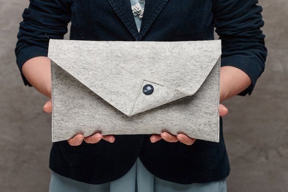 Light grey Merino wool felt clutch bag, grey large felt clutch for woman, grey elegant clutch, grey felt clutch, clutch bag, handmade bag    The