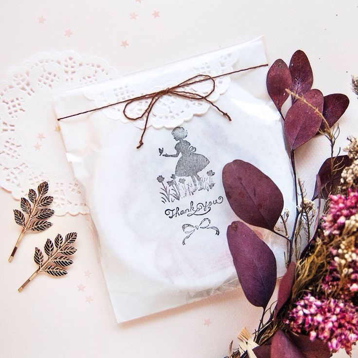 """5"""" Embroidery lovely packaging. — Bastidor 13.5 cm envuelto con mucho love."""