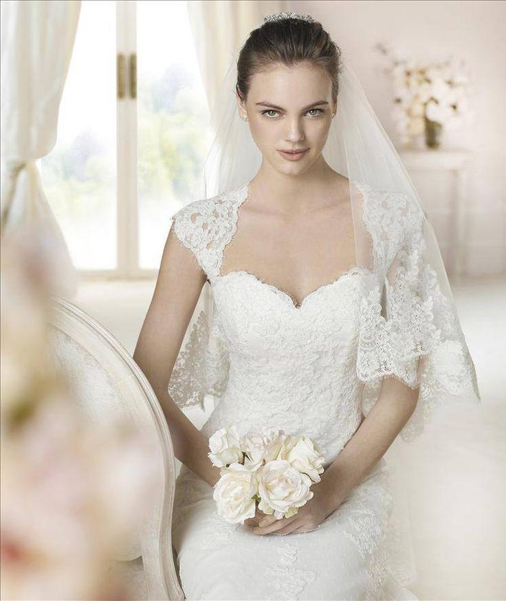 69 best rochii de mireasa images on Pinterest | Wedding frocks ...
