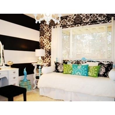 Bedroom Teenage Girl Design, Pictures, Remodel, Decor and Ideas -Raya will have an awesome room when she gets big!!  http://pinterest.com/starbuk/bedroom-ideas-for-teenage-girl/
