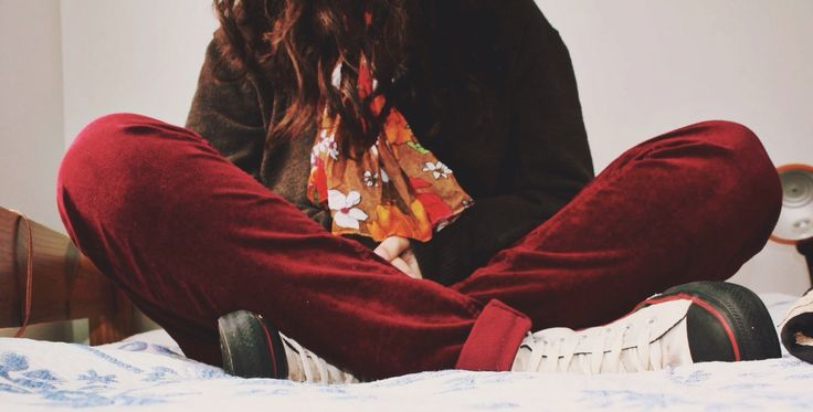 late autumn, red pants, converse and flowered scarf for a cold and cloudy day like this