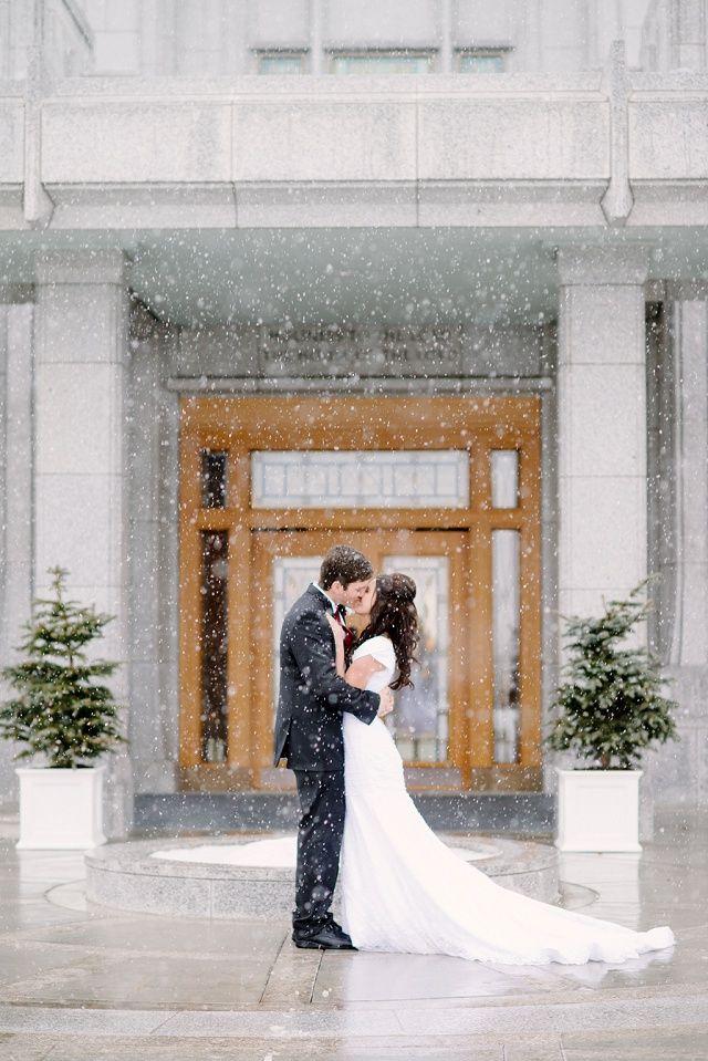 winter wedding, snowy wedding, LDS wedding, mormon temple, calgary LDS temple, bride and groom, kiss epic winter wedding photos