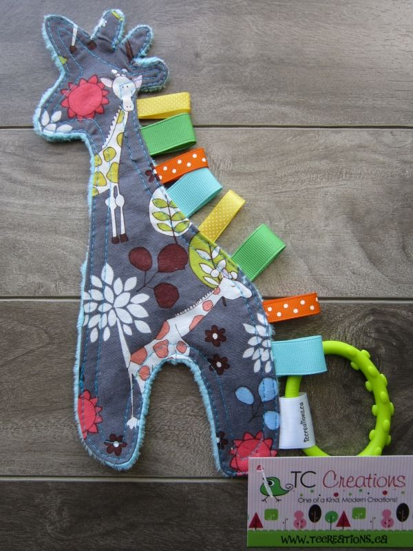 Crinkler-Giraffe on Turquoise Minky