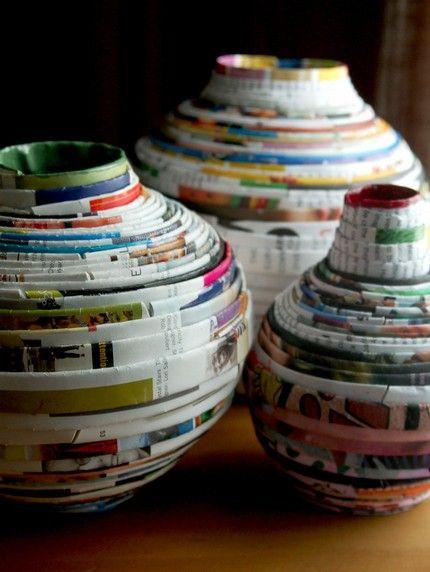 Prullenbakken, bakjes en vazen van oud papier