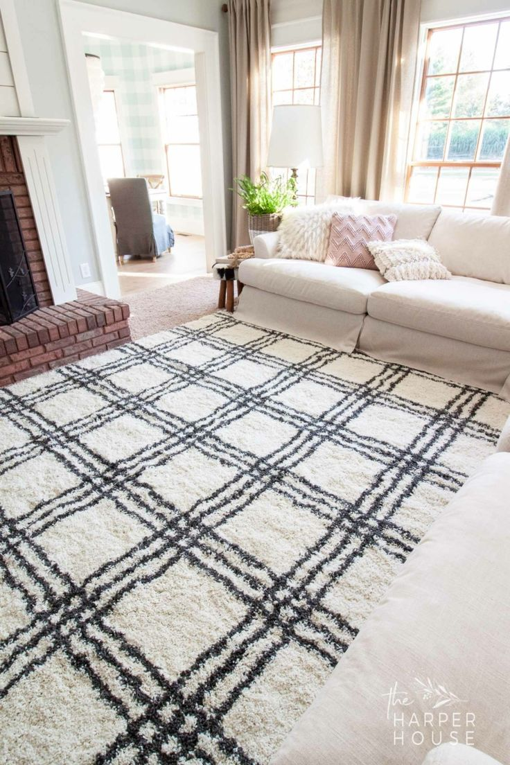 Black & White Rug and Affordable Fall Favorites