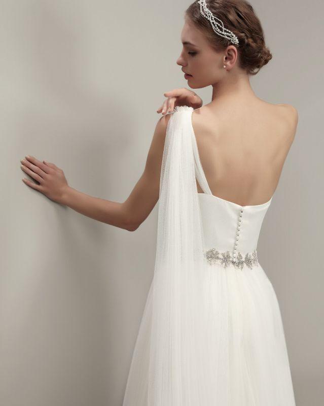 Robe de mariée en voile de tulle Adriana Alier