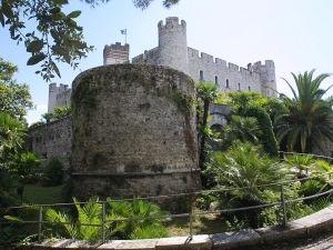 Castle at Villeneuve-Loubet from http://www.frenchriviera-tourism.com