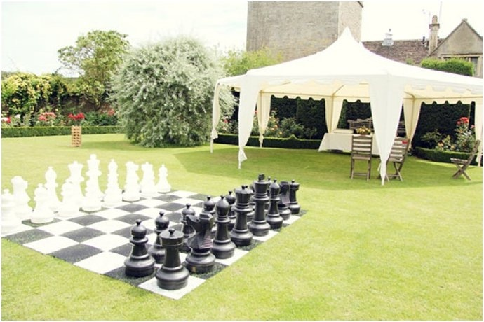 wedding game ideas  Love the tent and then the games outside! Such a good idea!