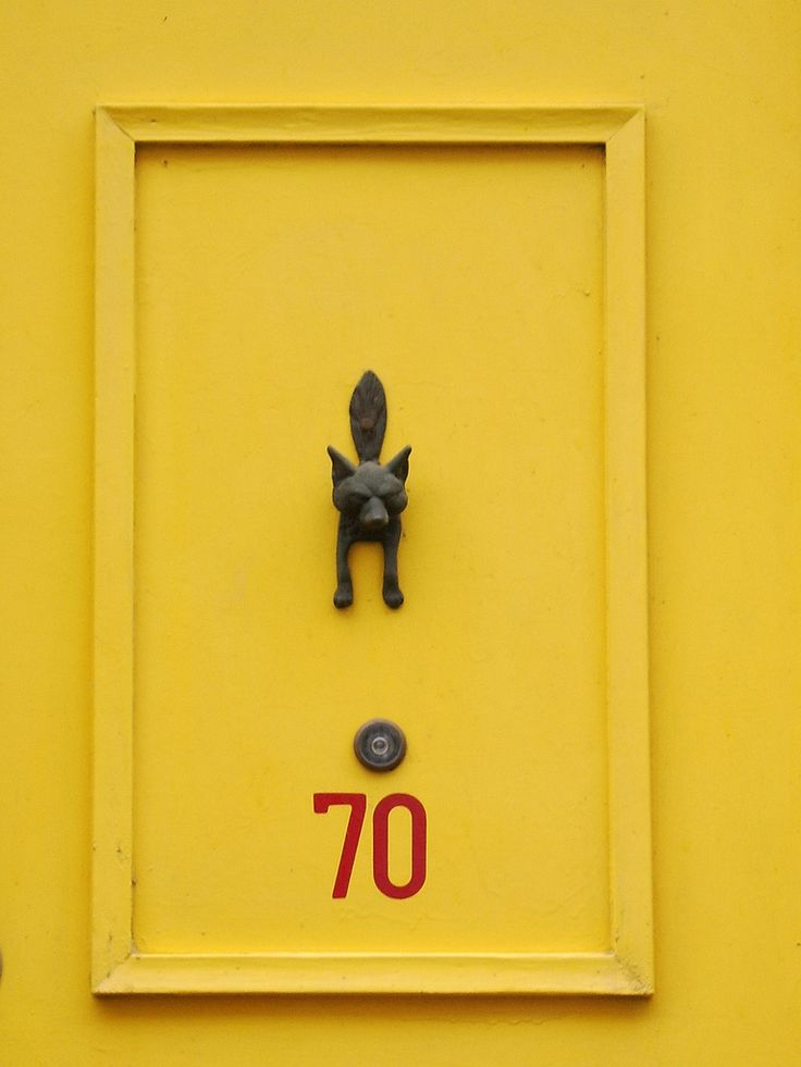 yellow Foxy door (by Miss Peekaboo)