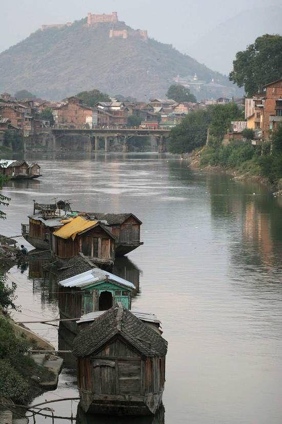 Jhelum river. #Srinagar, #India.