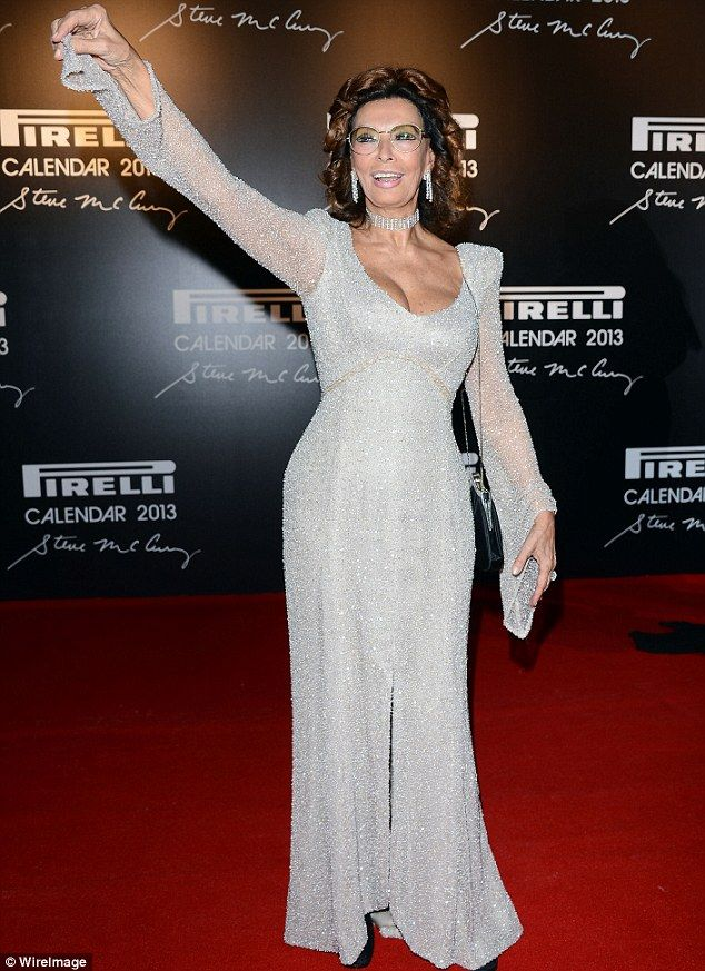 OMG   Sophia Loren stole the red carpet show on Tuesday in Rio de Janeiro, Brazil at the 2013 Pirelli launch event