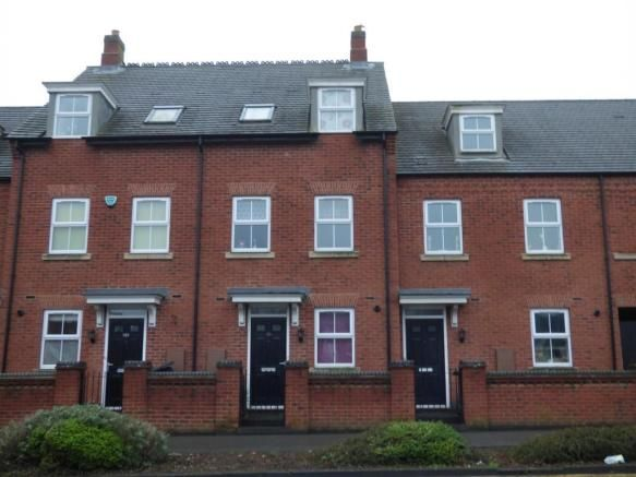 3 bedroom town house to rent - Ashby Road, Coalville Key features  Three double bedrooms Spacious lounge/diner Allocated parking for two vehicles Neutral decor Gas central heating and double glazing   #coalville #property https://coalville.mylocalproperties.co.uk/property/3-bedroom-town-house-to-rent-ashby-road-coalville/