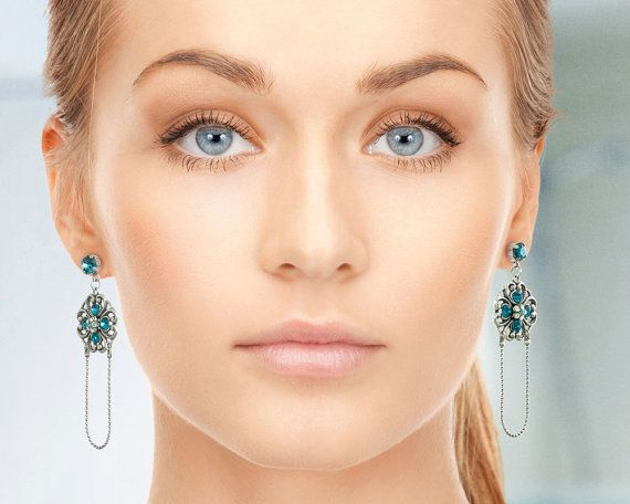 I love the idea of this blue statement earrings as a gift to mother of the bride #motherofthebride #statementearrings #blueearrings