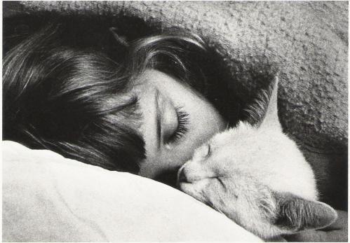 """""""How cute"""" Audrey Hepburn & her cat.."""