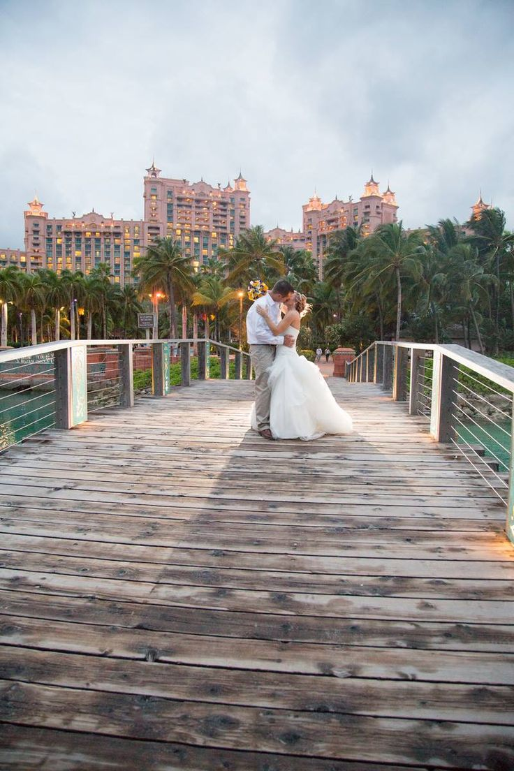 affordable wedding photographers in los angeles%0A  bridesLOVEatlantis Photography by Bahamas Wedding Productions