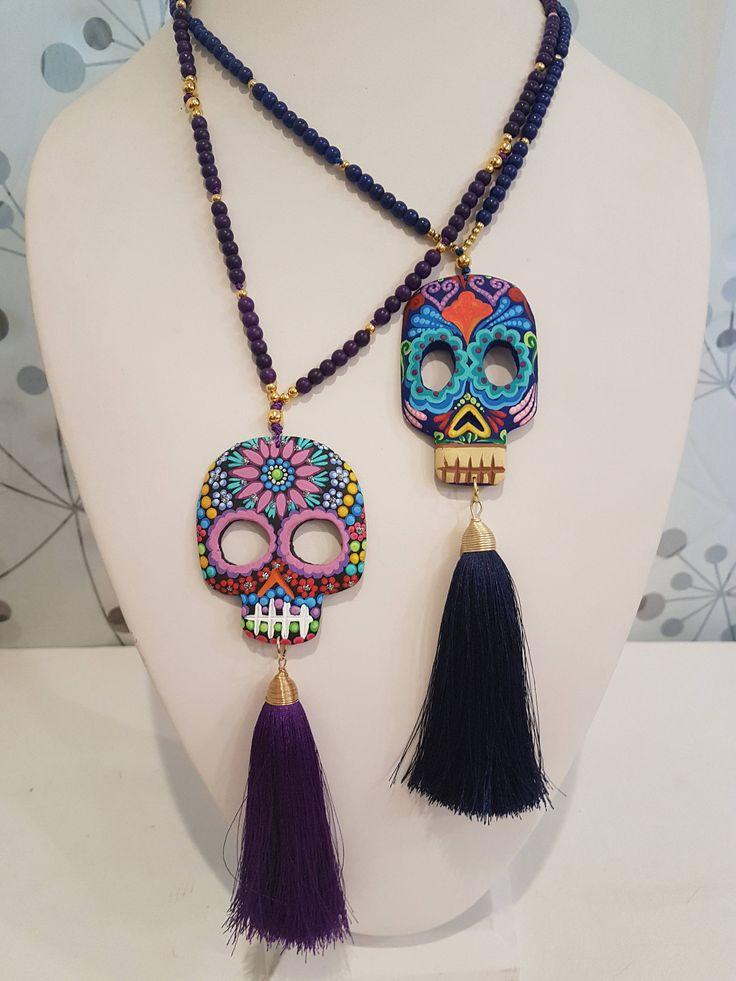 Quiero compartir lo último que he añadido a mi tienda de #etsy: Collar Calavera de Madera Pintada a Mano/ Skull Necklace/ Handpainted/ Boho Style/Mexican Artist http://etsy.me/2AHL3xW #joyeria #collar #cumpleanos #navidad #steampunk #mujer #catri #madera #skullnecklace