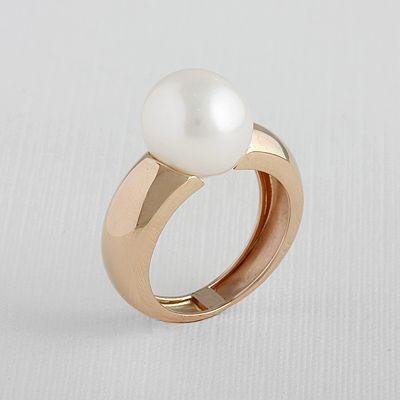 #Anillo de #oro rosa y #perla cultivada blanca....Perfecto para cualquier ocasión:)