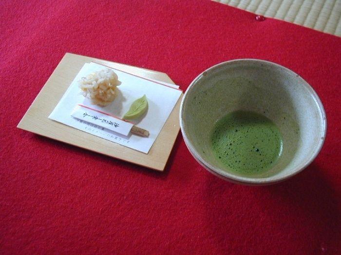 旅の疲れを癒やすお抹茶と甘味(イメージ)/画像提供:東海旅客鉄道株式会社