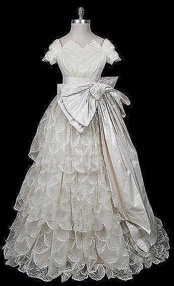 Свадебные платья —1950-е гг. Pierre Balmain.