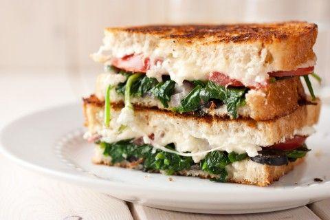 Sándwich de Queso Mozzarella a la Parrilla   ContigoSalud