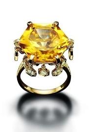 Piaget ring: Bling I, Unique Jewelry, Blingi Rings, Yellow Diamonds Jewelry, Gold Rings, Gold Diamonds Rings, Fabulous Jewellery, Fine Jewelry, Piaget Rings