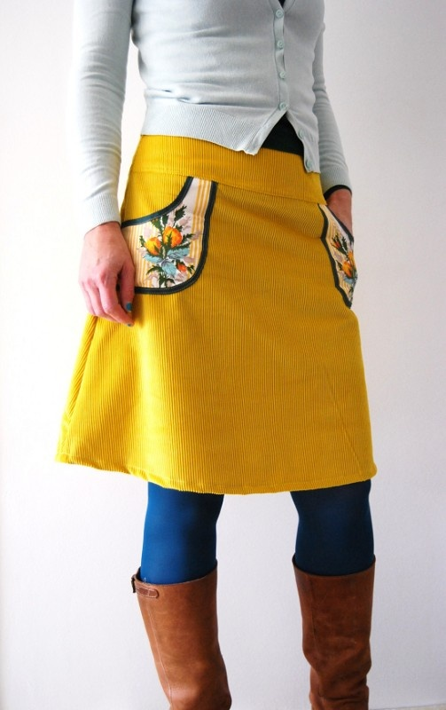 Love this skirt!  The COLOR!  The POCKETS!
