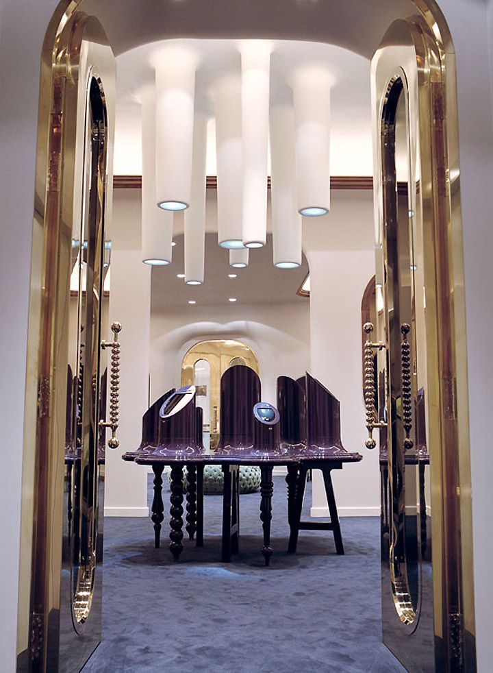 Luxurious Jewelry Shop Interior Design Innovation By