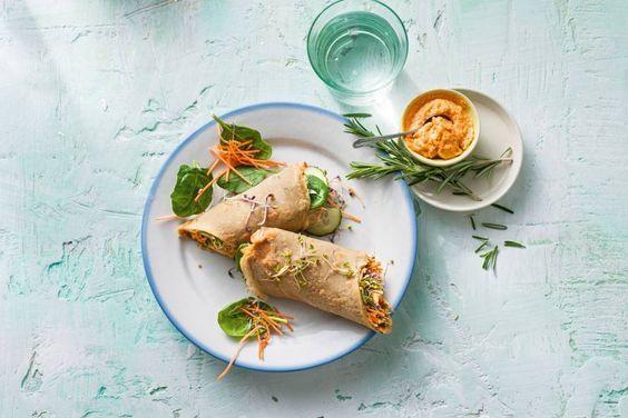 Zelfgemaakte boekweitwraps met hummus en groenten, wij vinden het vegalicious! - recept - Allerhande