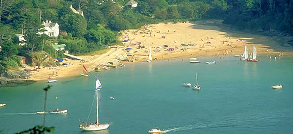 Find family static caravans, lodges and holiday park homes for hire and available to rent at Challaborough Bay caravan site near Bigbury on Sea in Devon