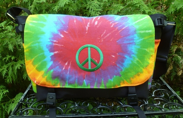Tie dye with green peace sign Lynx Deluxe Messenger Bag
