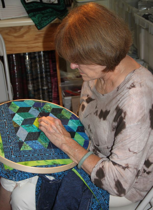 Try Some Hand Quilting Magic- with these expert tips and lessons focusing on THREAD, NEEDLES, and the QUILTING STITCH ~ Nice!