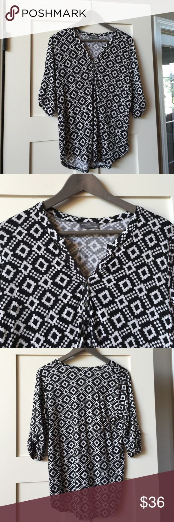I really loved the fit on this blouse, but hate the pattern. If you had it in a solid I would probably have bought it.