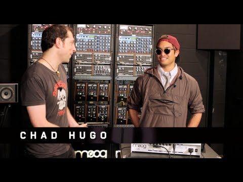 Chad Hugo and the Moog Slim Phatty   UniqueSquared.com - http://showebiz.com/chad-hugo-and-the-moog-slim-phatty-uniquesquared-com