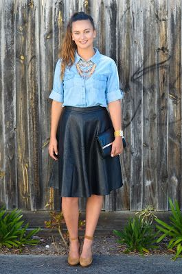 Miss Paton : The Perfect knee length skirt from Omika Australia.