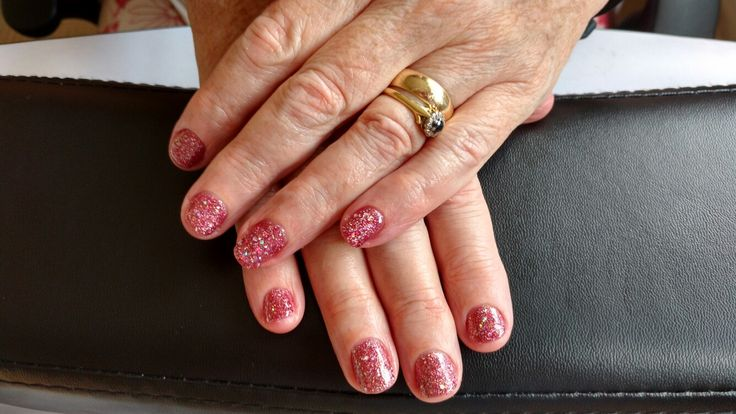 We all need a bit of sparkle in our life :) gel nails. https://m.facebook.com/Z.rune/