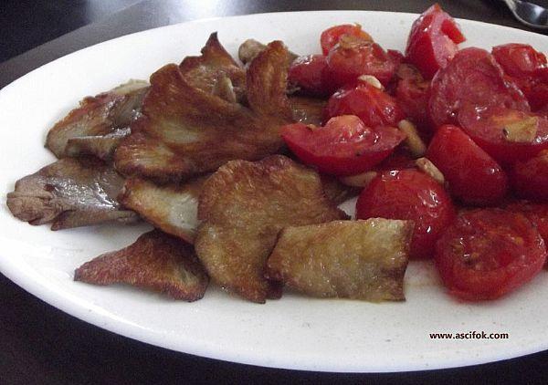 Sarımsaklı istiridye mantarı kiraz domates ile