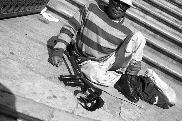 @magnum_photography @magnumphotos #notproudofthisphoto #sadbuttrue #streetphoto #streetphotography #bwphotography #bw #fujixpro1 #fujifilm
