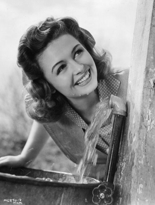Donna Reed...she's so beautiful